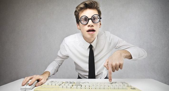 7 Signs Of Dumb Bloggers – Are You Practicing Them?