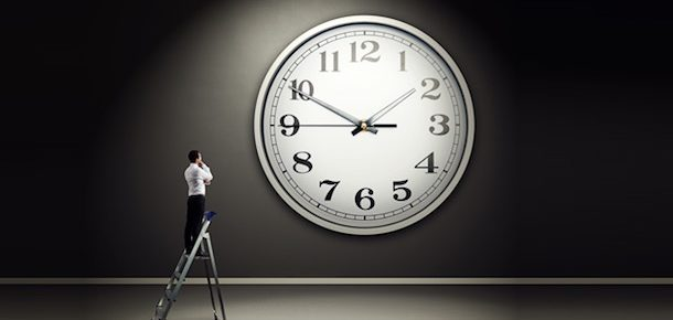 How Many Hours Does It Take To Make Money Blogging?